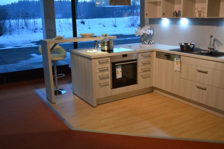 Modernen küchen aus dieser typ passt sich an moderne bauweisen genau so gut an wie er einen bewussten kontrapunkt bei rustikalen baustilen setzt